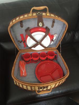 Picnic basket for Sale in SeaTac, WA
