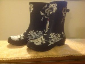 Raining boots for Sale in Hartford, CT