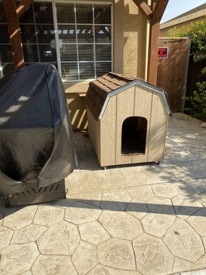 Large Dog House $200 for Sale in Gonzales, CA