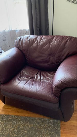 Lazy Boy Leather chair for Sale in Brunswick, OH