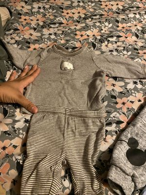 28 pcs of baby boy clothes carters for Sale in North Las Vegas, NV
