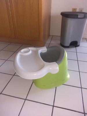 Booster seat feeding table for Sale in Palm Harbor, FL