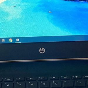 HP laptop for Sale in Bloomington, CA