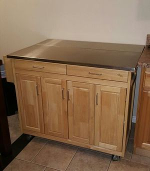 VERY NICE BREAKFAST NOOK WITH STORAGE DRAWERS AND CABINETS for Sale in West Valley City, UT