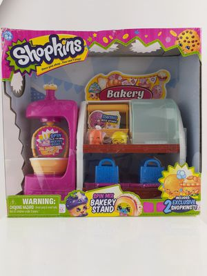 Shopkins Spin Mix Bakery Stand Playset- With 2 Exclusive Shopkins for Sale in San Bernardino, CA