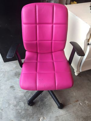 Pink Office Desk Chair! for Sale in Merced, CA