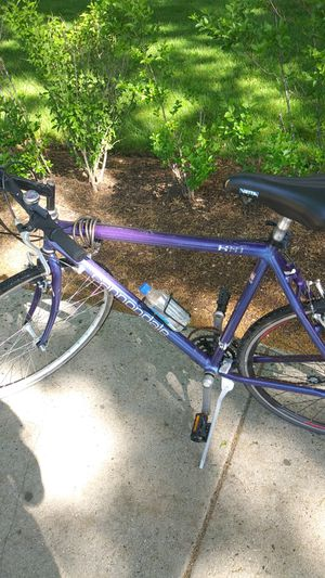 Blue Cannondale road bike tires needs air and chain needs to be lubed for Sale in Boston, MA