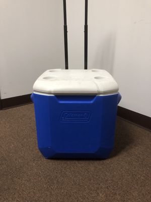 Coleman Brand 50 Qt Rolling Cooler for Sale in Miami, FL