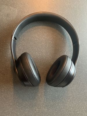 Beats Solo 3 Wireless Headphones - Matte Black for Sale in Everett, WA