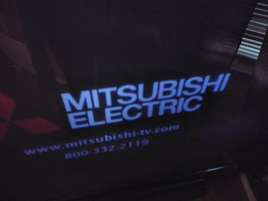 90 inch DLP Mitsubishi Tv for Sale in Port Acres, TX
