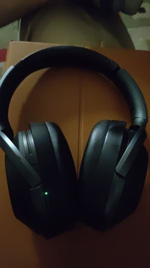 Sony anc headphones wh1000xm2 for Sale in San Marcos, CA