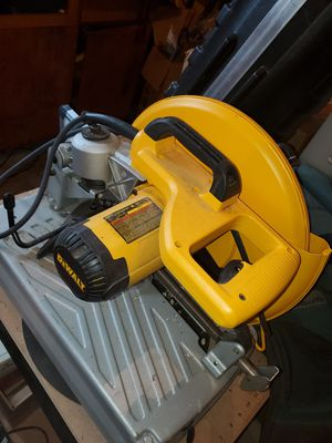 DeWalt 14in chop saw model D28715 for Sale in Eugene, OR