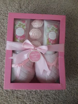 Bath Slipper Set for Sale in Silver Spring, MD