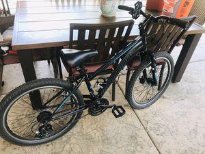 Schwinn sidewinder almost brand new women's bike for Sale in Chula Vista, CA