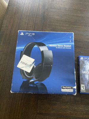 PS3 wireless stereo headset and game for Sale in Madera, CA