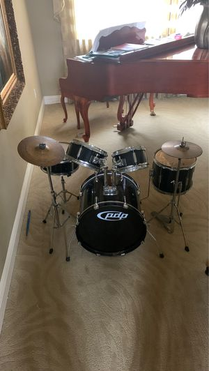 PDP by DW Player 5-Piece Junior Drum Set with Cymbals and Throne Black for Sale in Miami, FL