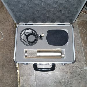 studio projects professional microphone with case and accessories for Sale in Portland, OR