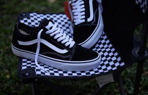 Old skool black white all sizes available at Spring Valley Swapmeet open Saturday Sunday for Sale in Spring Valley, CA