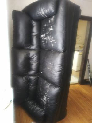 3 seat black leather sofa for Sale in Detroit, MI