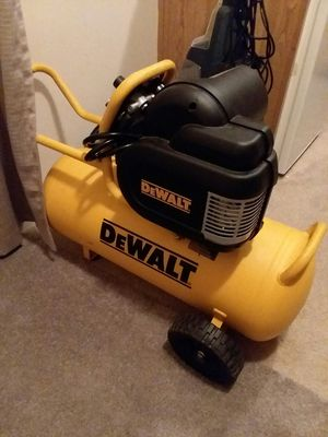 DeWalt 15 gallon air compressor with three air gun set for Sale in Arrington, VA