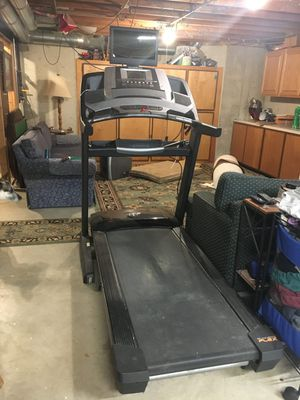 Treadmill nordictrack comercial with monitor for Sale in Fayetteville, GA