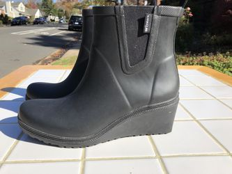 Tretorn Wedge Rubber Boots -Size 8 for Sale in Arlington,  VA