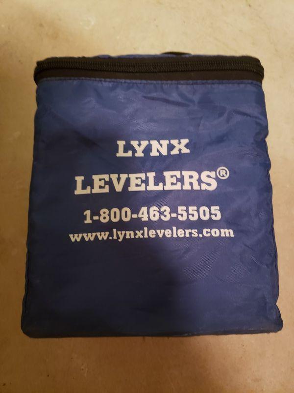 Lynx wheel chocks