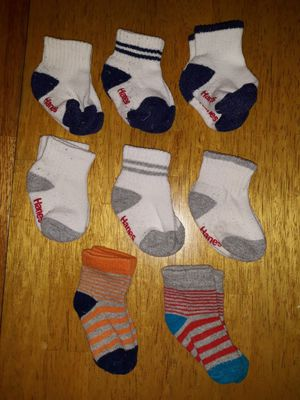 8 pairs of Hanes baby boy infant socks sz 6-12 mos for Sale in Duncanville, TX