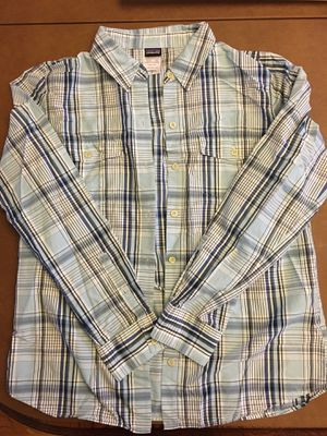 Women's Patagonia button up shirt for Sale in Lansdale, PA