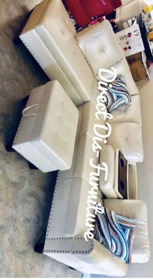 New Sectional + Ottoman for Sale in Stafford, TX