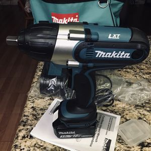 Makita Cordless Wrench XWT04 for Sale in Phoenix, AZ