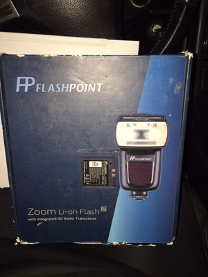Flash point zoom Li-on flash with integrated R2 radio transceiver for Sale in Millbrae, CA