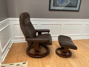 Stressless Leather Recliner Medium for Sale in Norcross, GA