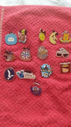 Disney pin lot of 14 different including pooh, hidden mickey, dopey, potato head. for Sale in Oviedo, FL