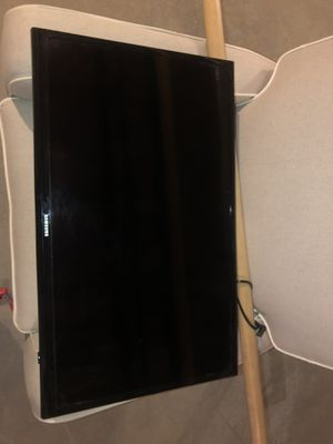 32 inch Samsung TV for Sale in Coventry, RI