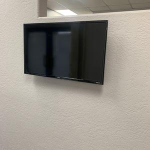 """32"""" Flat Smart Tv for Sale in El Cajon, CA"""