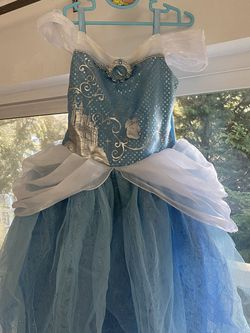 Disney Cinderella Dress Size 5/6 for Sale in Seattle,  WA