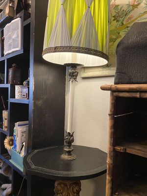 Antique table lamp free delivery vintage for Sale in TWN N CNTRY, FL