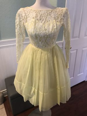 Women's ladies vintage yellow chiffon and lace dress Carol Brent for Sale in Las Vegas, NV
