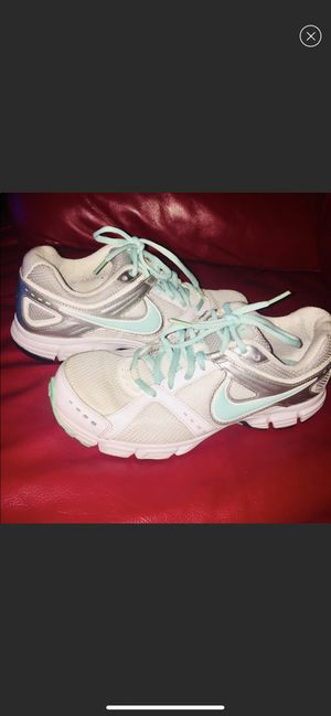 Nike running shoes 8 for Sale in Queens, NY