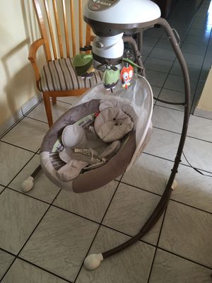 Fisher price electric swing great shape for Sale in Miami, FL