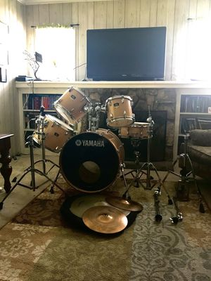 Yamaha wood style drum set for Sale in Los Angeles, CA