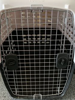 Kennel / Crate for Sale in Sammamish,  WA