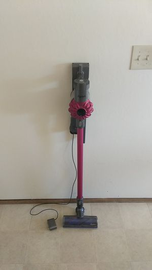 Dyson V6 vacuum for Sale in Concord, CA