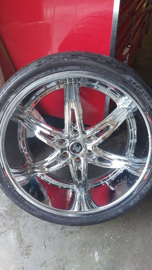 "24"" Used 2 Crave Chrome Rims 6x5.5 6x139.7 for Sale in Fife, WA"