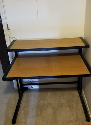 Desk for Sale in Cleveland, OK