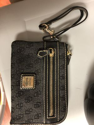 Dooney and Bourke wallet wristlet for Sale in Amherst, OH