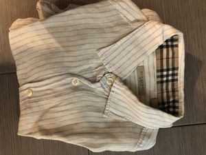 Burberry small shirt for Sale in Miami, FL