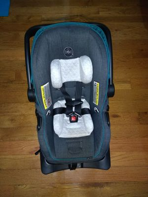 Evenflo Litemax35 Infant car seat with base for Sale in Jersey City, NJ