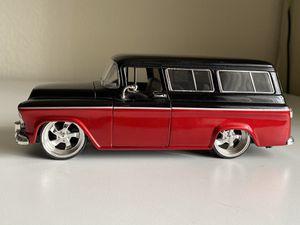Diecast model 1957 Chevy Suburban 1:24 for Sale in Dewey, AZ